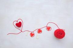 Валентайн сердец красное s золота дня предпосылки Стоковая Фотография