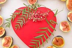 Валентайн сердец красное s золота дня предпосылки Стоковое Фото