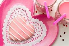 Валентинка украсила печенья Стоковая Фотография