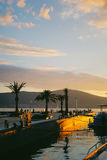 вал захода солнца силуэта ладони Стоковая Фотография