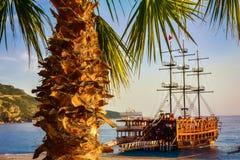 вал рая ладони острова пляжа Стоковые Изображения