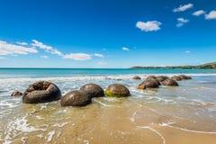 Валуны Moeraki в Otago, южном острове Новой Зеландии Стоковые Изображения RF