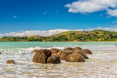 Валуны Moeraki в Otago, южном острове Новой Зеландии Стоковое Изображение RF