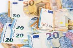 Валюшка наличных денег евро представляет счет банкноты стоковые изображения rf