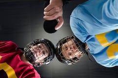 Вбрасывание шайбы хоккея Стоковая Фотография RF