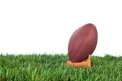 Введение мяча в игру американского футбола стоковая фотография rf