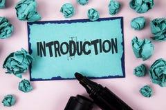 Введение текста сочинительства слова Концепция дела для первой части представления документа официально к аудитории написанной на стоковая фотография