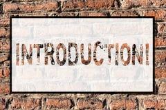 Введение текста сочинительства слова Концепция дела для первой части представления документа официального к кирпичу аудитории стоковые фото