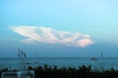 Вверх ногами облако раковины Стоковое Изображение