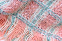 вверх сплетенный конец одеяла младенца Стоковые Фото