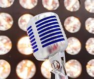 введенное в моду ретро микрофона Стоковые Фотографии RF
