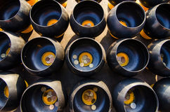 Вводить монетку в верование шара в буддизме стоковое фото rf