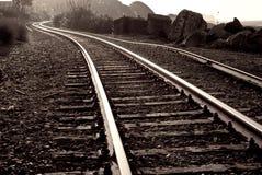 вдоль берега моря старой железной дороги идущего Стоковая Фотография RF