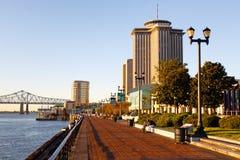 вдоль портового района New Orleans утра Стоковые Изображения RF