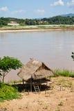 вдоль реки mekong коттеджей Стоковая Фотография RF