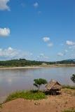 вдоль реки mekong коттеджей Стоковое Изображение