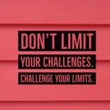 Вдохновляющий мотивационный предел ` t Дон ` цитаты ваши возможности Бросьте вызов ваши пределы ` стоковое изображение