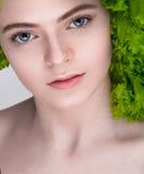 Вегетарианская еда вокруг номеров измерения дисплея принципиальной схемы смычка пробела предпосылки dieting собственный текст лен Стоковая Фотография
