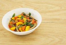 Вегетарианская еда на таблице Стоковое фото RF
