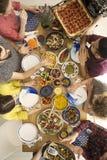 Вегетарианские люди имея партию Стоковая Фотография RF