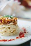 Вегетарианские спагетти с соей семенят и томатным соусом Стоковые Изображения