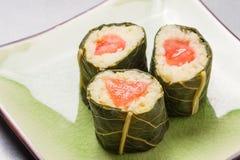 Вегетарианские суши с цветками Стоковые Фотографии RF