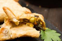 Вегетарианские samosas Стоковое Изображение RF