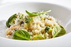 Вегетарианский ризотто с брокколи Стоковые Фотографии RF