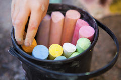 Ведро crayons Стоковое Изображение