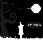 Ведьма Halloween стоя в свете луны Стоковые Изображения