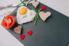 вектор Валентайн иллюстрации дня пар любящий романтичное breakfastfried яичко Стоковая Фотография