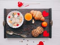вектор Валентайн иллюстрации дня пар любящий романтичное breakfastoatmeal Стоковое Изображение
