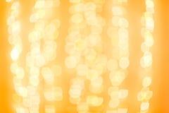 вектор иллюстрации гирлянды рождества карточки предпосылки Красочная желтая предпосылка Bokeh de сфокусировала блестящие света Ко Стоковые Изображения