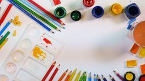 вектор костюмов радуги illustratin предпосылки безшовный wallpaper наилучшим образом Радуга руки художника drawning Взгляд сверху акции видеоматериалы