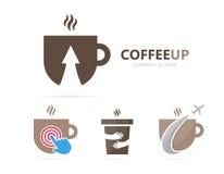 Вектор кофе и стрелки вверх по комбинации логотипа Питье и символ или значок роста Уникально дизайн логотипа чашки и чая Стоковое Изображение RF