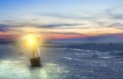 вектор света иллюстрации идеи принципиальной схемы шарика Идеи и нововведения стоковые фото