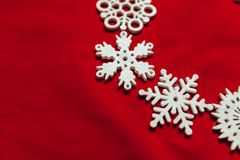 вектор снежинок иллюстрации рождества предпосылки красный Привод игрушки рождества Стоковые Фото