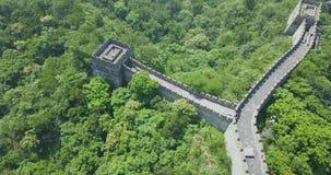 Великая Китайская Стена Китая, воздушного отснятого видеоматериала, отснятого видеоматериала трутня, Пекин видеоматериал