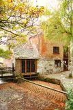 Великобританская сельская атмосфера дома кирпича сценарная Стоковое Изображение RF