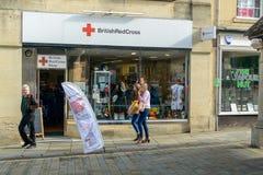 Великобританский магазин призрения Красного Креста на рыночном мести Chippenham стоковая фотография rf