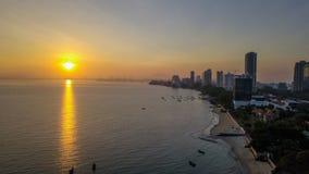 Великолепный вид с воздуха восхода солнца в penang Малайзии стоковое изображение rf