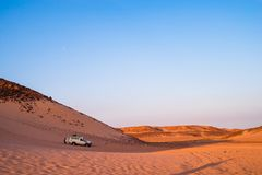Великолепный заход солнца пустыни стоковые фото