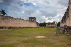 Величественные майяские руины в Chichen Itza, Мексике Стоковые Изображения RF