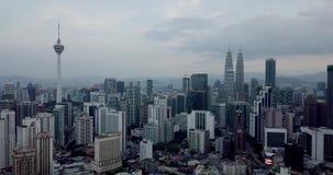 Величественный вид с воздуха горизонта города Куалаа-Лумпур сток-видео