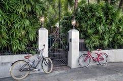 2 велосипеда и строб стоковая фотография