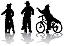 велосипедисты собирают предназначенное для подростков иллюстрация вектора