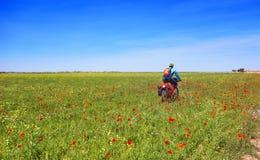 Велосипедист Camino de Сантьяго в велосипеде стоковые изображения
