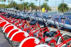 Велосипеды на портовом районе в Барселоне стоковое фото