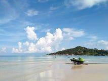 Велосипед воды на пляже стоковые изображения