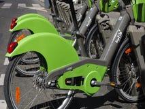 Велосипед деля ` системы Velib в Париже Стоковые Фото